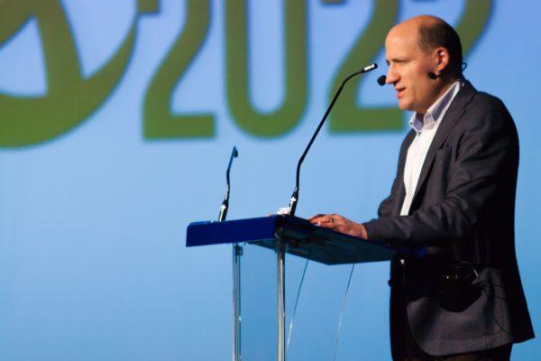 Jérôme Adam en conférence devant les collaborateurs de Chryso France