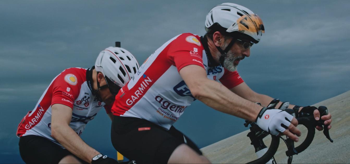 Guillaume Buffet et Jérôme Adam durant leur ascension du Mont Ventoux en tandem